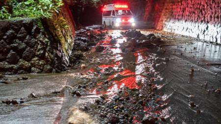 Десетки хора са ранени, след като тайфунът Хагибис връхлетя Япония