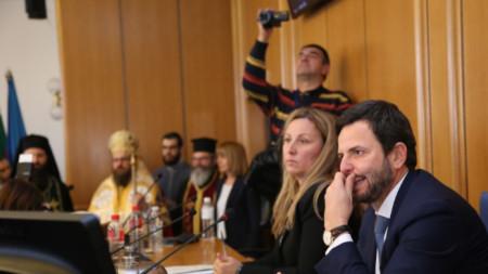 Новите кметове и общински съветници се заклеват на тържествено заседание на СОС