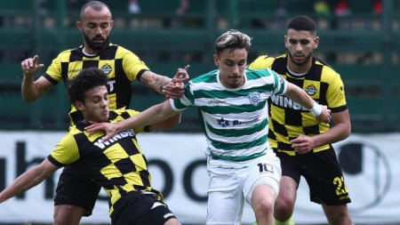 Илиан Илиев направи силен мач в Пловдив, но Ботев и Черно море завършиха 1:1