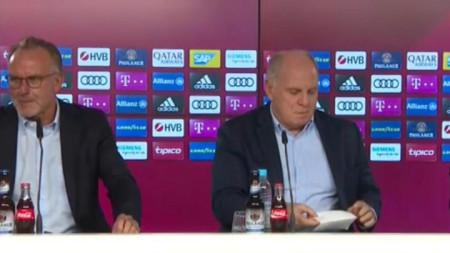 Румениге (вляво) и Хьонес обявиха, че Нико Ковач остава начело на