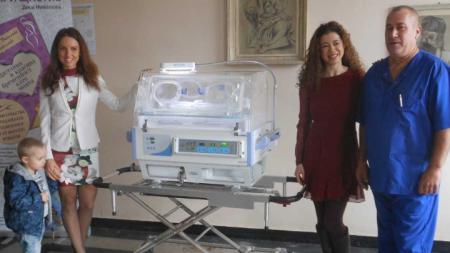 Досега родилното отделение нямаше апаратура за автономно превозване на недоносените бебета.