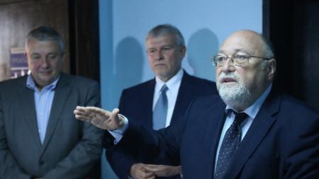 Лидерът на СДС Румен Христов отчете като сериозен успех за партията изборите на ЕП, на които евродепутатски мандат спечели и излъченият от СДС Александър Йорданов, който беше в листата на ГЕРБ.