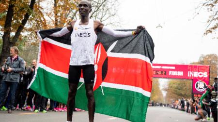 Резултатът на кениеца обаче няма да бъде признат за световен рекорд