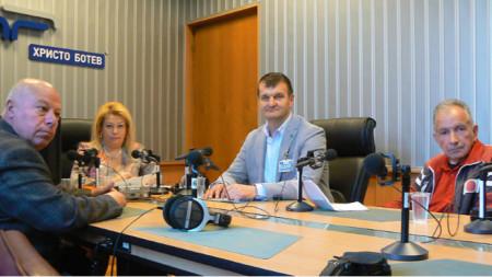 Адв. Захари Генов, Анелия Торошанова, адв. Пламен Борисов и Христо Джалъзов (отляво надясно)