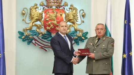 Бригаден генерал Валери Цолов бе назначен за командир на Съвместното командване на силите и повишен в генерал-майор.