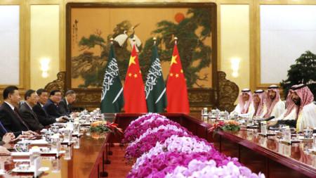 Среща на китайския президент Си Цзинпин със саудитския принц Мохамед бин Салман