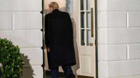 Тръмп на влизане в Белия дом