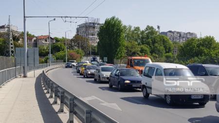 Задръствания на Аспарухов мост.