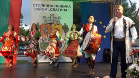 Илия Луков на празника на Светия Дух в район