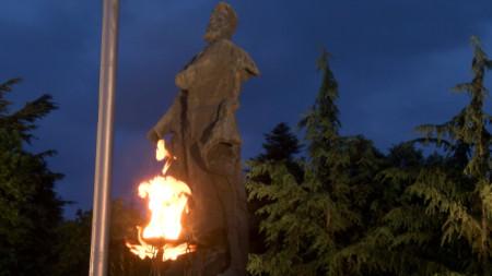 Тържествената заря-проверка във Враца по случай Деня на Христо Ботев и загиналите за свободата и независимостта на България.