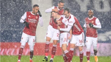 Арсенал изплува в класирането с трета поредна победа