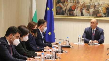Президентът Румен Радев проведе среща с ръководството на Националното сдружение на общините в България.