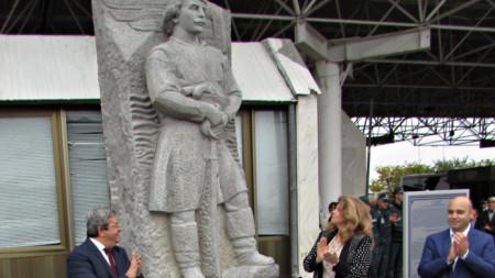 Паметникът на Капитан Петко войвода на едноименния граничен пункт