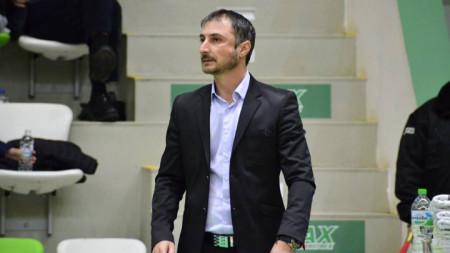 Треньорът на Академик Бултекс - Асен Николов.