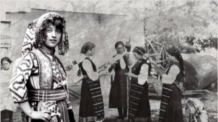 """Снимка от изложбата """"България през стъклото на времето"""""""