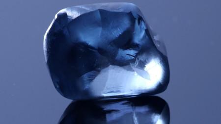 Синият диамант с тегло над 20 карата, открит в Ботсвана.
