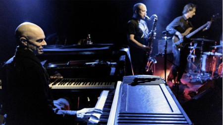 Ник Барч (на пианото) със свои колеги