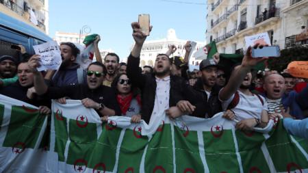 Антиправителствен протест в Алжир.