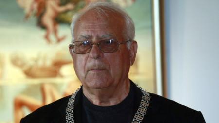 """Преди пет години проф. Величко Минеков беше отличен с най-високото българско отличие в областта на културата – """"Златен век"""" огърлие."""