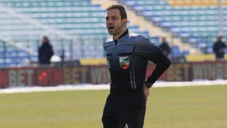 Владимир Вълков няма да ръководи от 4 до 6 мача