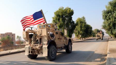 Американски военни край Камишли.