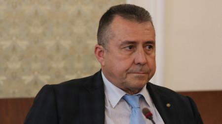 Зам.-министърът на регионалното развитие инж. Валентин Йовев