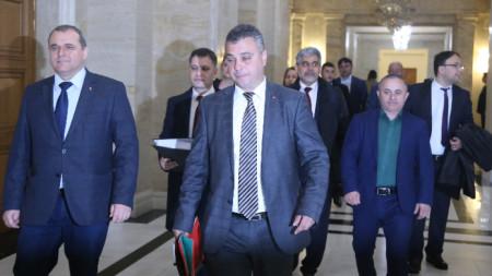 """ПП """"ВМРО – Българско национално движение"""" се регистрира в ЦИК за участие в предстоящите избори за ЕП."""