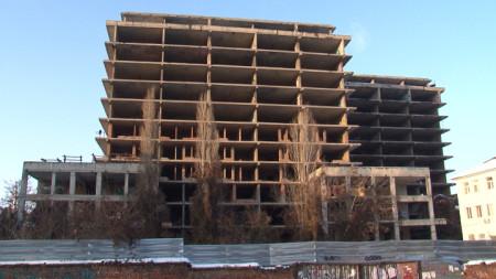 Детската болница ще бъде изградена на замразен строеж преди повече от 20 г. на територията на Александровска болница