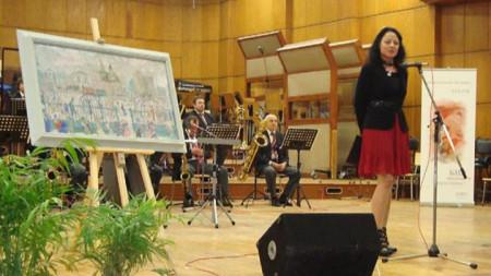 """Паулиана Новакова, директор на програма """"Христо Ботев"""", открива Салона за култура, посветен на Сирак Скитник и 75-годишнината на БНР."""