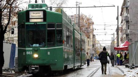 Експериментално пуснаха трамваите по ул.