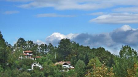 Панорамен изглед към село Орешак