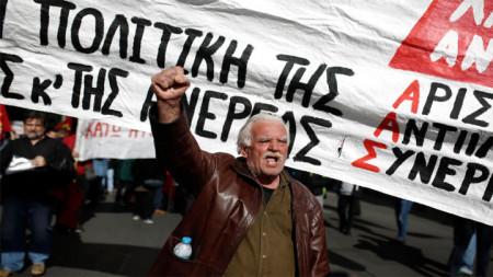 В гръцкия парламент стартираха дебатите по бюджета за следващата година, а синдикатите отново призовават за протести в деня на гласуване.