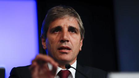 Луис Капуто подаде оставка като шеф на Аржентинската централна банка
