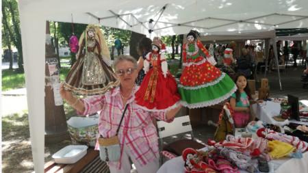 Оля Матарова и нейните кукли