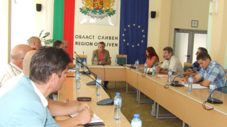Областната епизоотична комисия извърши преглед на мерките срещу разпространението на африканска чума по свинете.