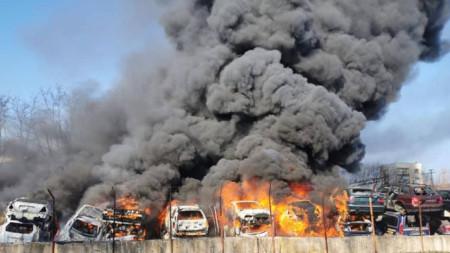 Пожар в автоморга в Хасково