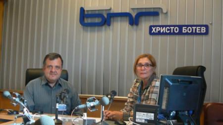 Доц. д-р Константин Камберов и Цвета Николова в студиото на