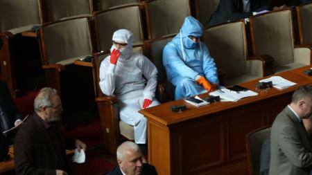 Веселин Марешки и Кръстина Таскова в парламента