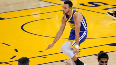 Къри се надява да се завърне преди края на редовния сезон в НБА.