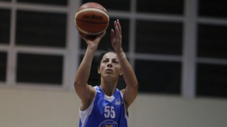 Христина Иванова игра на високо ниво за Монтана