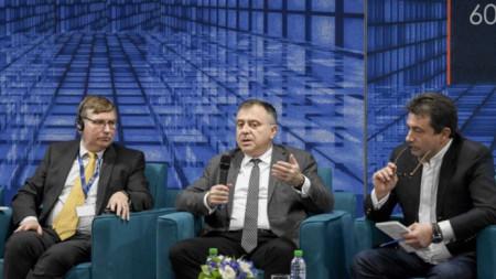 Греъм Диксън, Александър Велев и Константин Каменаров