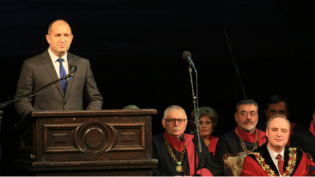 Президентът Румен Радев поздрави студентите и преподавателите в СУ