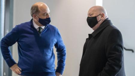Джо Андерсън (в дясно), кмет на Ливърпул