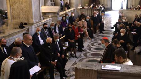 Държавният глава Румен Радев и българската делегация бяха приети на аудиенция от Негово Светейшество папа Франциск.