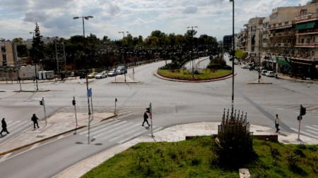 Изглед към пуста улица в Атина, 24 март 2020 г.