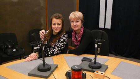 """Лия Петрова и Аделина Александрова в студиото на """"Предаване без име"""""""