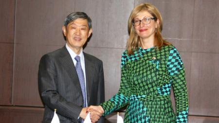 Екатерина Захариева и Шиничи Китаока, - президент на Японската агенция за международно сътрудничество.