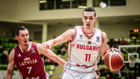 Йордан Минчев е непобедим и с джойстик в ръка.