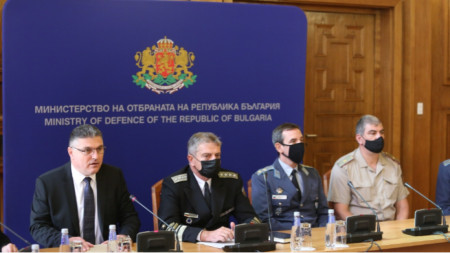 Minister of Defence Georgi Panayotov (first from the left) at the press conference