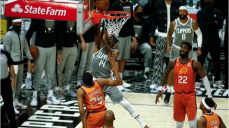 Финикс е на победа от финала в НБА